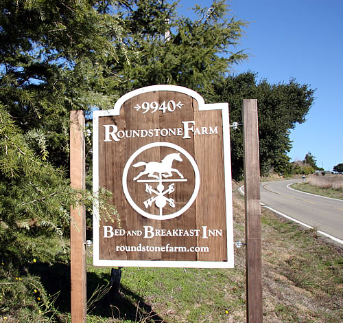 point reyes lodging - sign for inn at roundstone farm